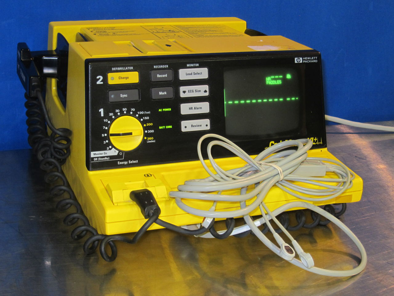 HEWLETT PACKARD 43130M Defibrillator For Sale. This Auction Is Closed