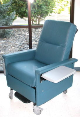 CHAMPION 56 recliner Dialysis Chair for sale & Used CHAMPION 56 recliner Dialysis Chair For Sale - DOTmed Listing ...